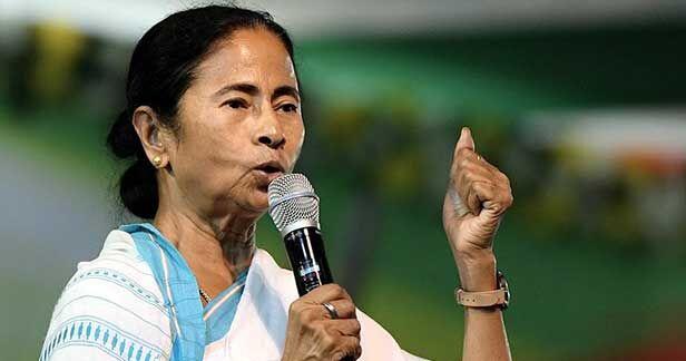 ममता बोली - बाहरी लोग फैला रहे हैं पश्चिम बंगाल में हिंसा