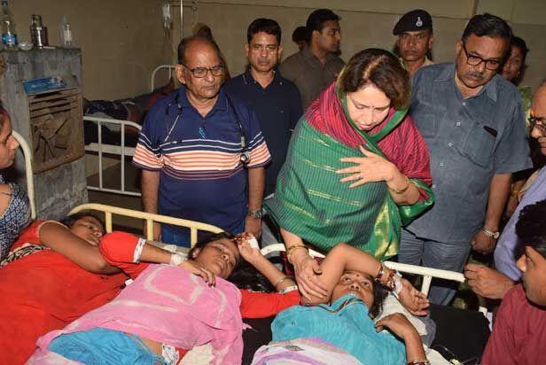 मंत्री माया सिंह और महापौर ने मुरार चिकित्सालय पहुँचकर बीमारों का जाना हाल