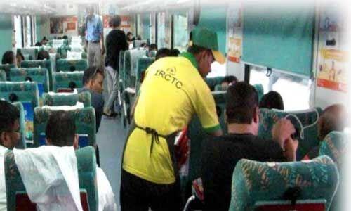 अब ट्रेन में मिलने वाली चाय, कॉफी होगी महंगी आईआरसीटीसी का प्रस्ताव रेलवे ने किया मंजूर
