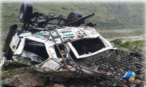 हिमाचल : जुब्बल सड़क हादसे में जीप सवार सभी 13 लोगों की मौत