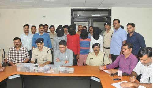गोलीकांड : व्यापारी पर हुई जानलेवा हमले का हुआ खुलासा, लूट के माल सहित चार आरोपी गिरफ्तार