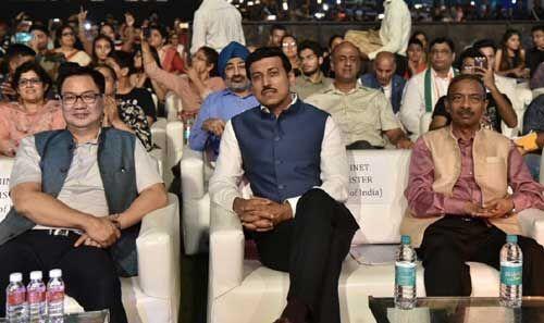 पराक्रम पर्व: इंडिया गेट पर रंगारंग कार्यक्रम, राज्यवर्धन राठौर और किरन रिजिजू भी हुए शामिल