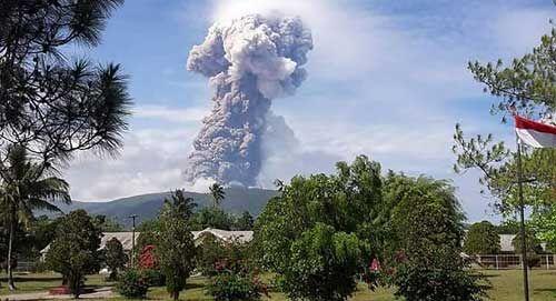 इंडोनेशिया में अब ज्वालामुखी का कहर, परेशानी बढ़ी