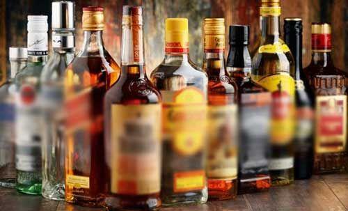 शराब की दुकानों पर सुरा प्रेमियों की जेब पर डकैती