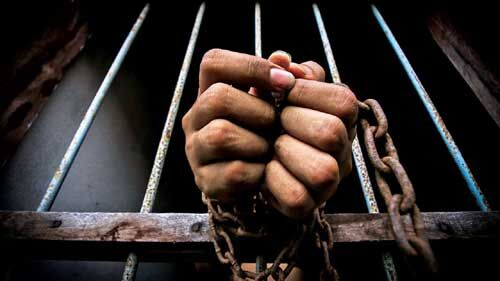 लेथपोरा सीआरपीएफ कैंप हमले का दोषी गिरफ्तार