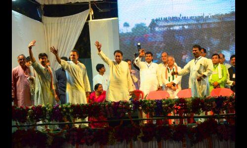 स्वागत से अभिभूत तो हुए राहुल, लेकिन कौन होगा कांग्रेस से सीएम उम्मीदवार ? सस्पेंस बरकरार