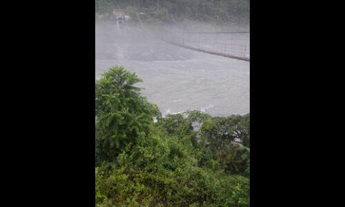 चीन में भूस्खलन के बाद रुका पानी ऊपर से बहा, हाई अलर्ट जारी