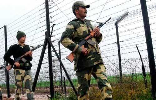 इंडियन आर्मी ने पाक बैट के दो कमांडो ढेर किये, दो घायल