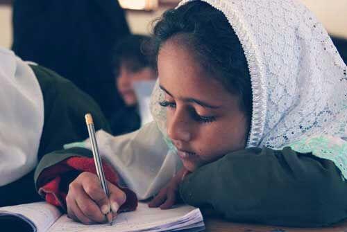 केंद्र सरकार की नीतियों का नतीजा, मुस्लिम लड़कियों द्वारा पढ़ाई छोड़ने में आई कमी
