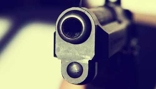 लखनऊ: दिनदाहड़े बदमाशों ने बैंक कैशियर को मारी गोली