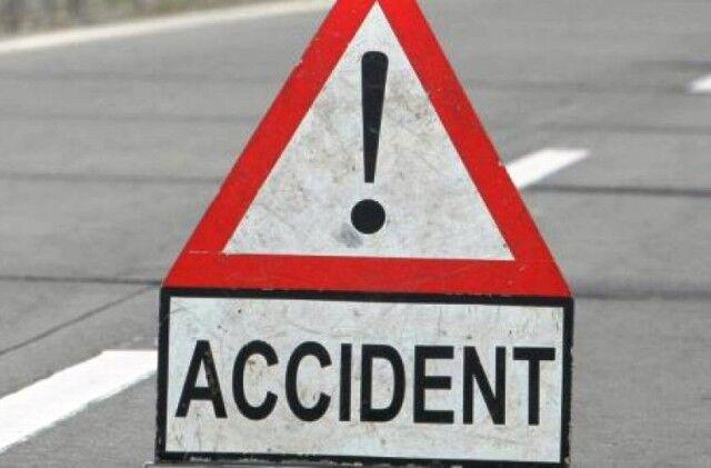 सीवान में पिकअप वैन की ट्रक से भीषण टक्कर, 7 लोगों की मौत, 9 घायल