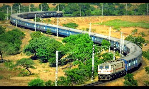 पटरियों के दोनों तरफ भारतीय रेलवे बनाएगा 3 हजार किमी लम्बी दीवार
