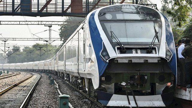 ट्रेन-18 ने पकड़ी गति, कोटा-सवाई माधोपुर रूट पर 180 किमी प्रतिघंटा से दौड़ी, देखें वीडियो