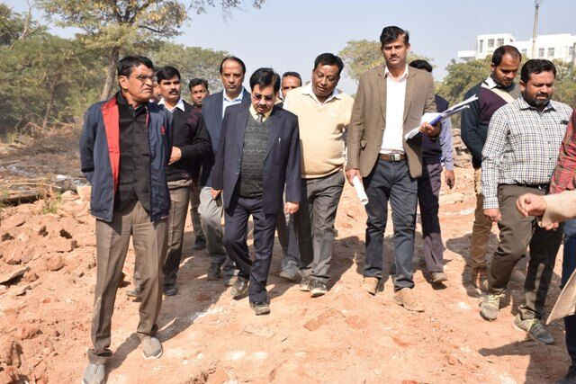 अस्पताल का निर्माण कार्य आधुनिक अस्पतालों के लिए उदाहरण हो : शर्मा