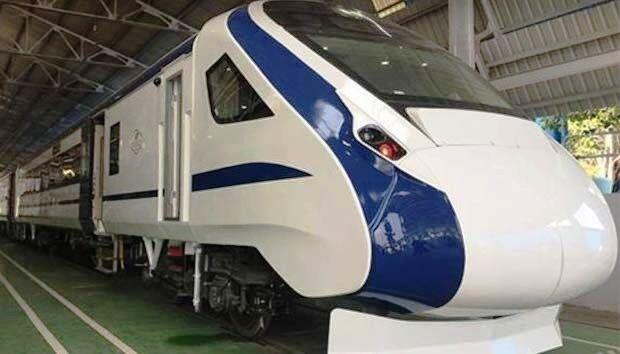 बिना इंजन के दौड़ी देश की पहली सेमी बुलट ट्रेन-18
