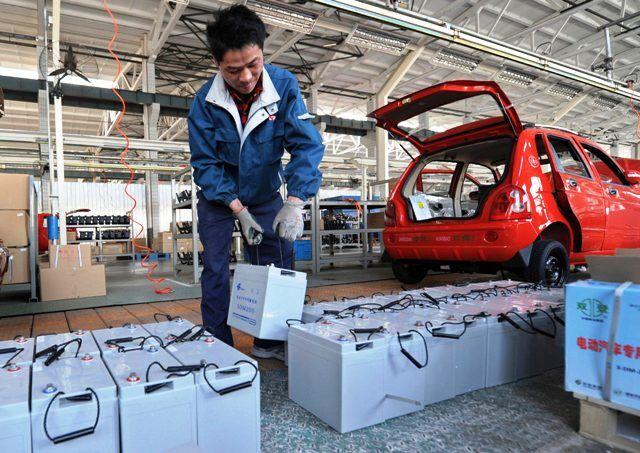 चीन से घटिया सामान आयात करके गुणवत्ता से समझौता न करें इलेक्ट्रिक वाहन निर्माता: गडकरी