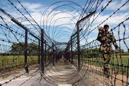 21 अवैध घुसपैठियों को भेजा गया बांग्लादेश