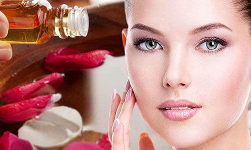चेहरे की खूबसूरती को और सुंदर करने के लिए करें गुलाब जल का उपयोग