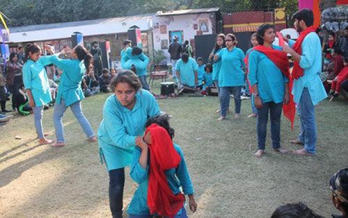 युवा फोरम ने रुद्रा और टेक-2 नाटकों किया मंचन