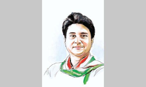 प्रदेश की राजनीति से सिंधिया को वाकआउट करने की कवायद