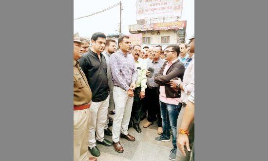 अधिकारियों ने किया यातायात व्यवस्था का औचक निरीक्षण