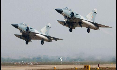 भारतीय वायुसेना के 12 मिराज विमानों ने पकिस्तान में ध्वस्त किए आतंकी कैंप, भारत की बड़ी कार्रवाई