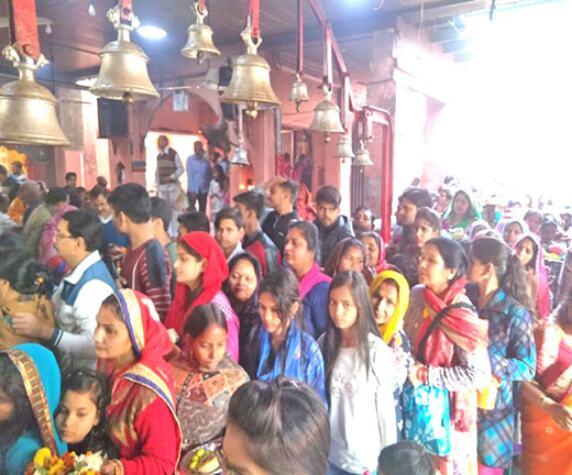 शिव मंदिरों में उमड़ा आस्था का सैलाब