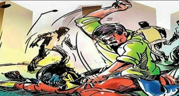 छेड़छाड़ का विरोध करने पर युवकों ने पति को किया घायल