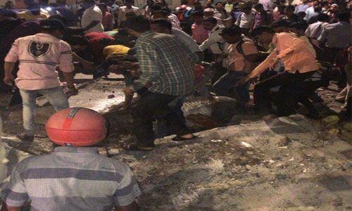 मुंबई : CSMT रेलवे स्टेशन पर बना फुट ओवर ब्रिज ढहा, 6 की मौत, 33 लोग घायल