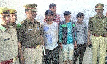 अछनेरा पुलिस ने पकड़े चार वाहन चोर