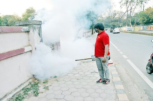 मच्छरों की रोकथाम के लिए फोगिंग अभियान जोरों पर