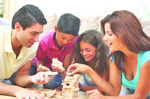 इस उम्र में हो बच्चों के साथ मित्र जैसा व्यवहार