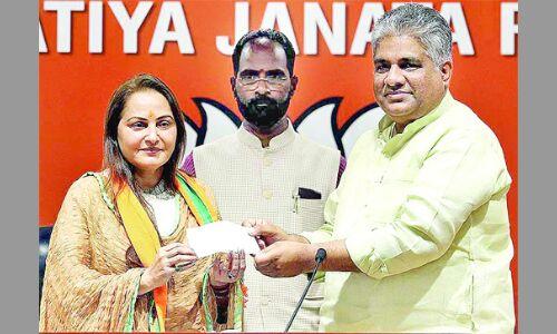 भाजपा में आने के पांच घंटे के भीतर जयप्रदा को रामपुर से टिकट, आजम खां से मुकाबला