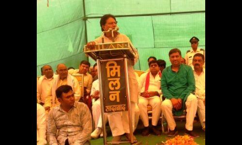 महागठबंधन प्रत्याशी रामजीलाल सुमन की फिसली जुबान, कहा-जिन्ना ने नहीं, वीर सावरकर ने किया था हिंदुस्तान का बंटवारा