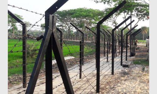 सीमा पर घुसपैठ की कोशिश में चार बांग्लादेशी गिरफ्तार