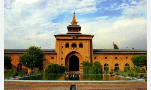 जामिया मस्जिद सहित कईं बड़ी मस्जिदों में जुम्मे की नमाज अदा करने पर रोक