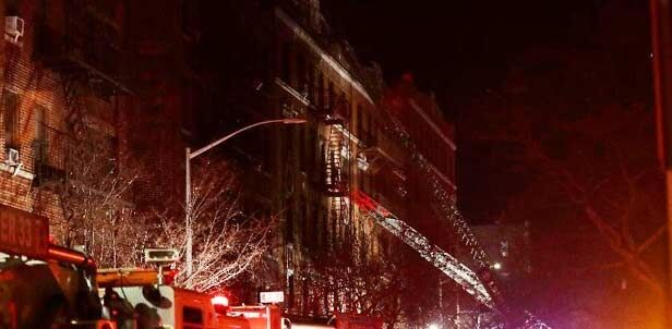 न्यूयॉर्क के ब्रांक्स में लगी आग, 12 मरे