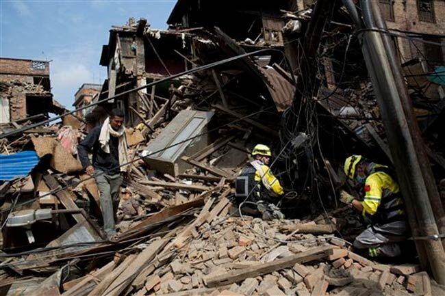 नेपाल में आज फिर भूकंप के झटके, मृतक संख्या 117 हुई
