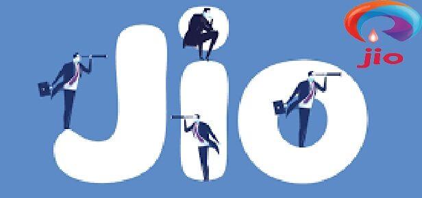 धमाकेदार ऑफर : जियो दे रहा है 3,300 तक का कैशबैक