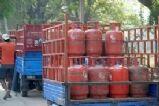 दिल्ली: गरीबी रेखा से नीचे रहने वालो  को आज से मिलेगा मुफ्त LPG सिलेंडर