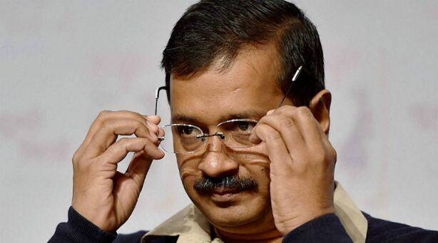 दिल्ली सरकार को केंद्र से झटका, केंद्र ने वापस भेजा 400 फीसदी सैलरी वाला बिल