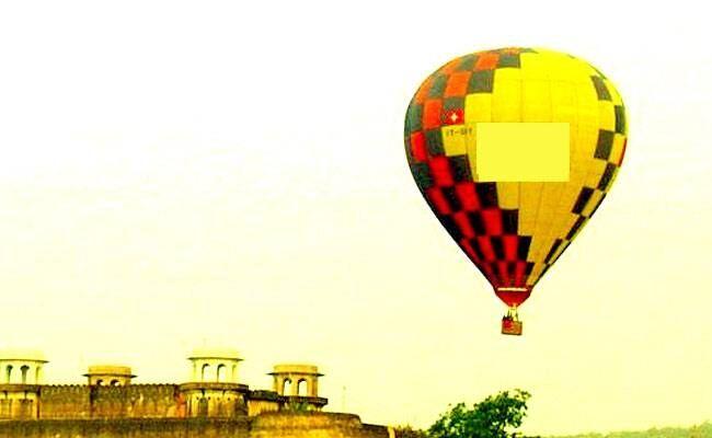 दिल्ली के आईजीआई एयरपोर्ट के पास दिखा गुब्बारा मौसम विभाग का निकला