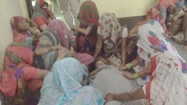 दहेज की खातिर विवाहिता की गला दबाकर हत्या