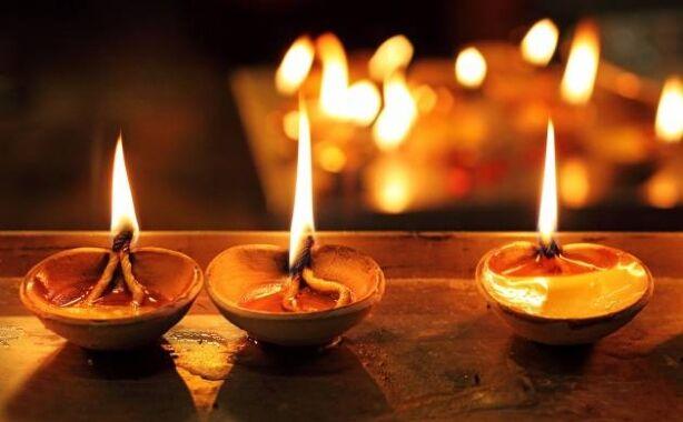 देश भर में हर्षोल्लास से मनाई गई दीपावली