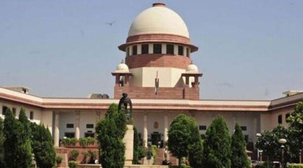 तीन तलाक मामले पर सुप्रीम कोर्ट ने केंद्र सरकार को भेजा नोटिस