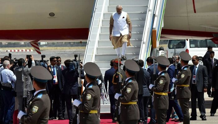 ताशकंद पहुंचे प्रधानमंत्री नरेन्द्र मोदी