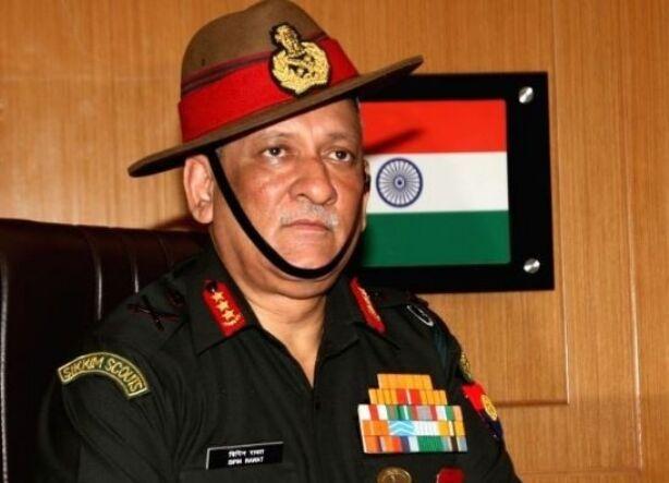 जम्मू-कश्मीर में पाकिस्तान के झंडे लहराने वालों से सख्ती से निपटा जाएगा: बिपिन रावत