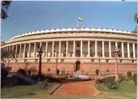 हंगामे के बीच संसद के दोनों सदनों में कार्यवाही बाधित