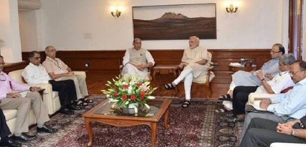 सीसीएस की बैठक में पाकिस्तान को घेरने की रणनीति बनी